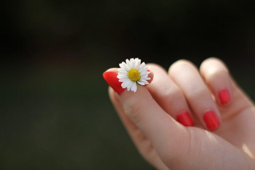 10 простых способов укрепить ногти